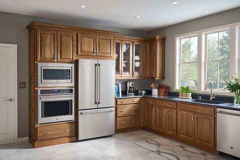 tủ bếp gỗ tự nhiên khá bền