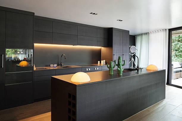 tủ bếp hiện đại đen