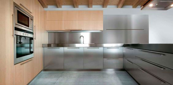 Tủ bếp Inox kết hợp laminate gỗ